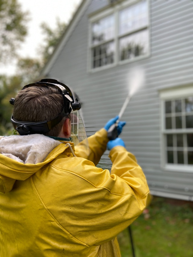 Is there a Difference Between Power Washing and Pressure Washing?